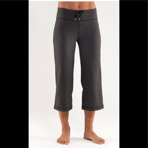 Lululemon Women's Relaxed Fit Crop 11,EUC, Size 12